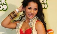 Paz na web: Stefhany perdoa cantora que a enterrou