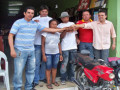 CDL entrega moto ao ganhador da campanha de final de ano.