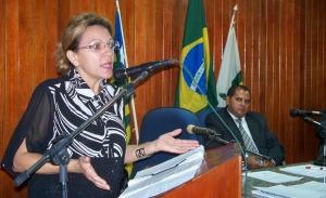 Ielva Melão tenta sensibilizar colegas da importância do Projeto de Lei.