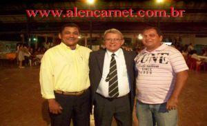 Diretor Oliveira, presidente Cruz Castro e o pres. da câmara Gilmar Barbosa