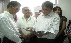 O presidente da AVAP Gregório Veloso e o governador Wellington Dias.