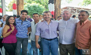 JVC ladeado por lideranças valencianas