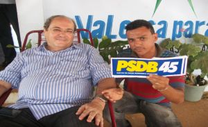 Ex-prefeito Silvio Mendes continua na ponta