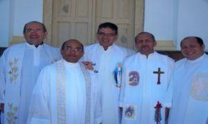 padres Amadeu Matias, Gilberto Freitas, Lauro de Deus e Francimilson Holanda e Miguel Júnior