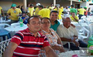 Aires na companhia dos pais e esposa Liana