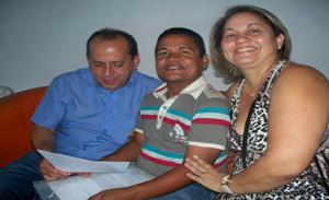 Rarrá entre o deputado Helio Isaias e a amiga Josilene Marinho