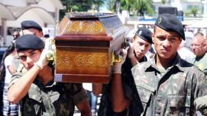 sepultamento do soldado Leonardo de Lima Machado