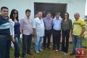 O governador foi recepcionado no aeroporto por varias lideranças