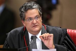 Ministro Henrique Neves