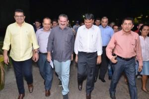 Prefeito Venicio do Ó juntamente com o governador W. Dias entre outras autoridades