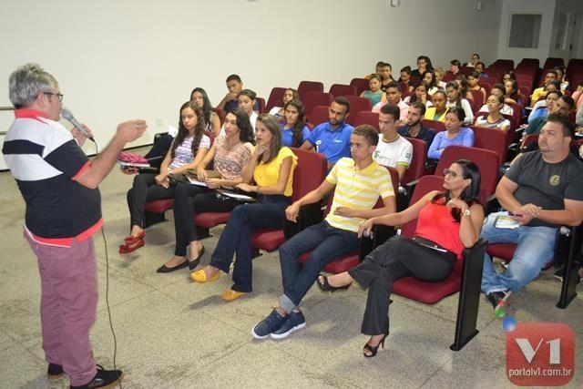 A palestra aconteceu no auditório do IFPI
