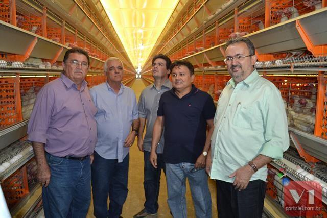 Os deputados ficaram impressionados com a produção da Granja Moreira