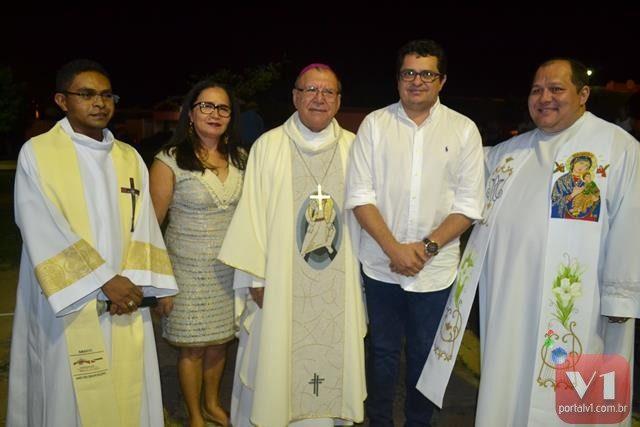 Padre Bento, vice Lucia Lacerda, Dom Jacinto, prefeito Venicio do Ó e padre Miguel Junior