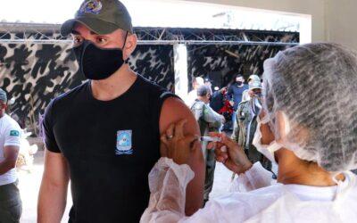 Forças Policiais são vacinadas contra a covid-19 em Valença do Piaui