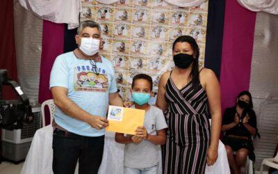 """Prefeitura de Lagoa do Sitio premia vencedores do projeto """"Leve um Livro Para Casa"""""""